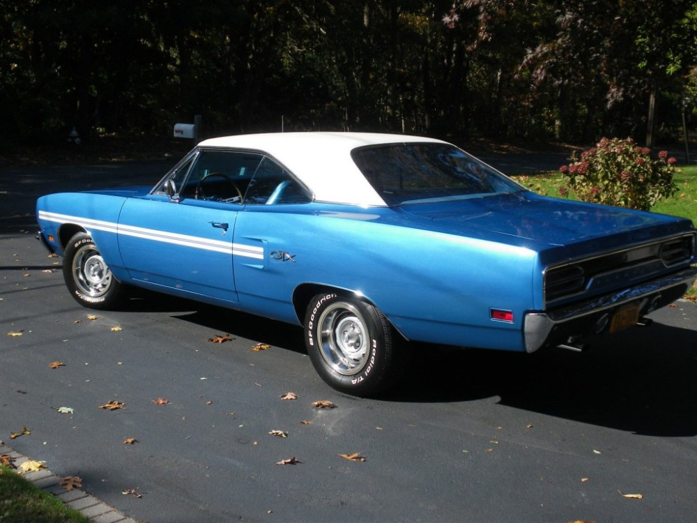 medium resolution of 1970 plymouth gtx muscle car