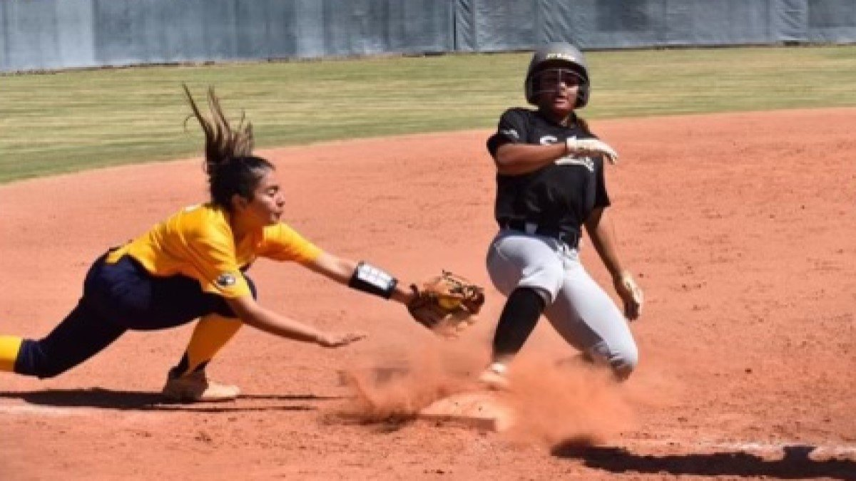Sierra Daniel Beats the Tag at Second 2023 Arizona Storm Appel