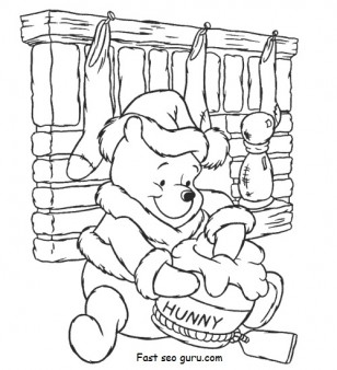 Print out christmas Winnie the Pooh with Santa Claus hat