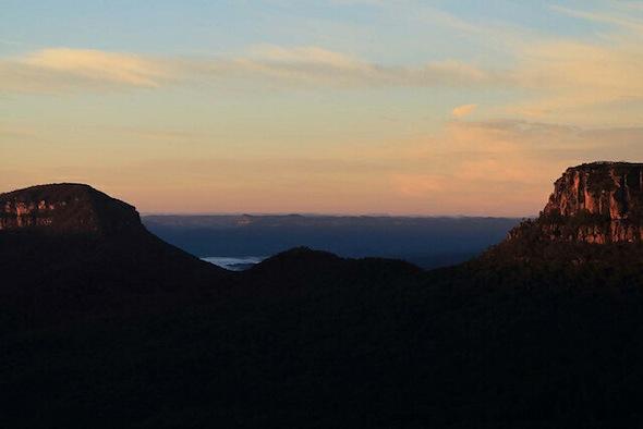 Sunrise across Ruined Castle, Castle Head and Mt Solitary (photo Albert Chetcuti)