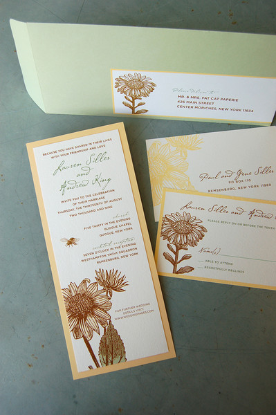 Sunflower wedding invitation, rustic 2-lauer invitation with green envelope, yellow brown and green color palette, vintage illustration, honey bee