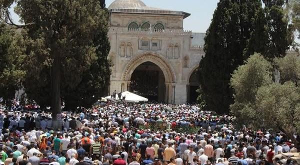 فتح : قرار الإحتلال بمنع الصلاة في المسجد الأقصى امتداد لسياساته الفاشية