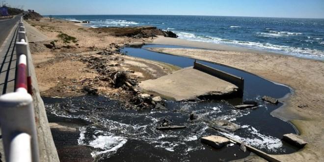 تقرير حقوقي: مياه بحر قطاع غزة ملوثة
