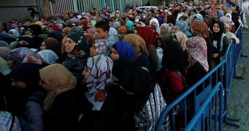 الآلاف يزحفون إلى القدس للمشاركة في الجمعة اليتيمة برحاب الأقصى