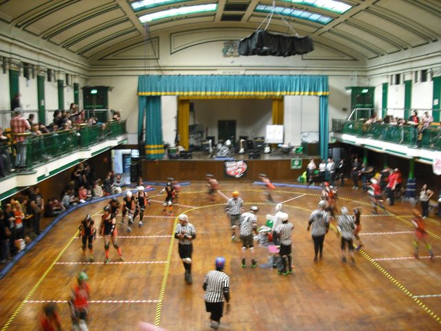 https://i0.wp.com/fatgayvegan.com/wp-content/uploads/2011/04/roller-derby-b-green.jpg?fit=640%2C480
