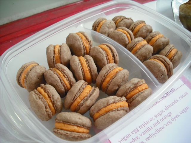 https://i0.wp.com/fatgayvegan.com/wp-content/uploads/2011/06/macaroons.jpg?fit=640%2C480