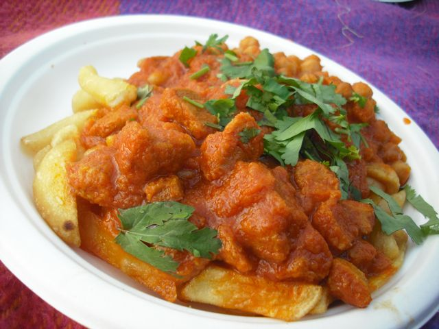 https://i0.wp.com/fatgayvegan.com/wp-content/uploads/2011/07/curry-and-chips.jpg?fit=640%2C480&ssl=1