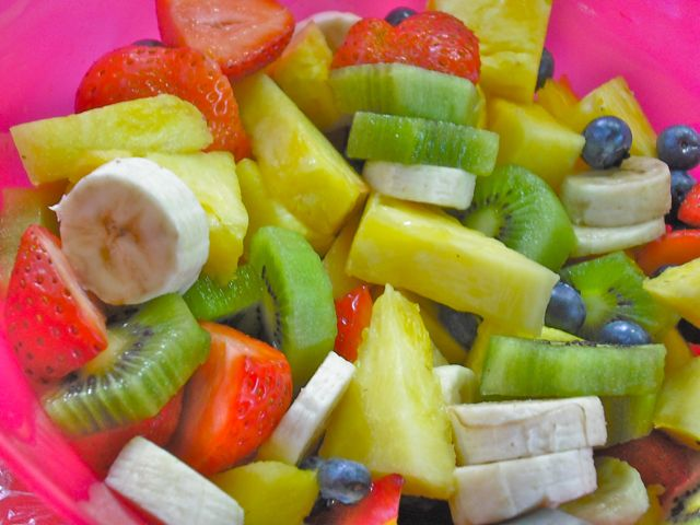 https://i0.wp.com/fatgayvegan.com/wp-content/uploads/2011/07/dscf3960fruit-salad.jpg?fit=640%2C480