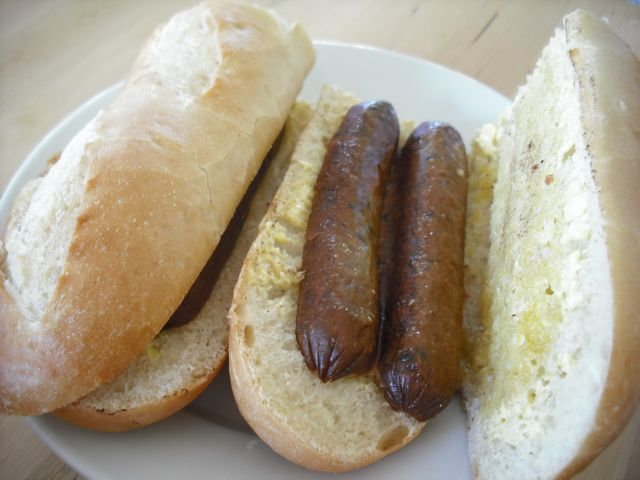 https://i0.wp.com/fatgayvegan.com/wp-content/uploads/2011/08/sausage-sandwich.jpg?fit=640%2C480