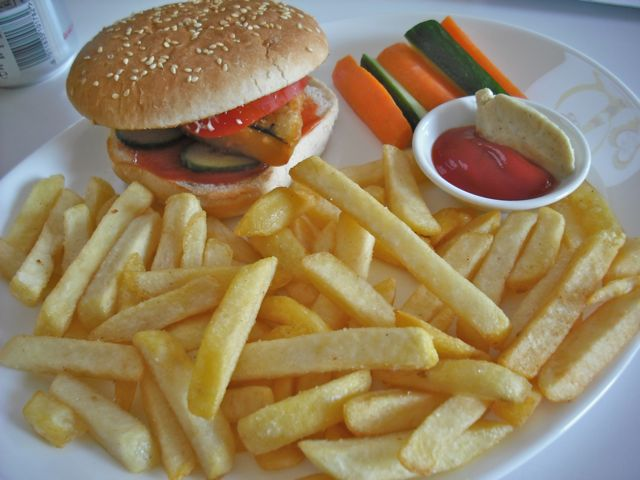 https://i0.wp.com/fatgayvegan.com/wp-content/uploads/2011/09/ocean-burger.jpg?fit=640%2C480