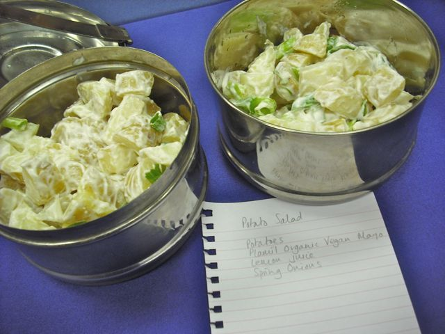 https://i0.wp.com/fatgayvegan.com/wp-content/uploads/2011/10/potato-salad.jpg?fit=640%2C480
