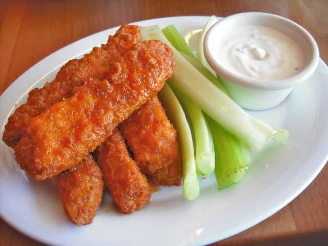 https://i0.wp.com/fatgayvegan.com/wp-content/uploads/2011/11/wings.jpg?fit=640%2C480