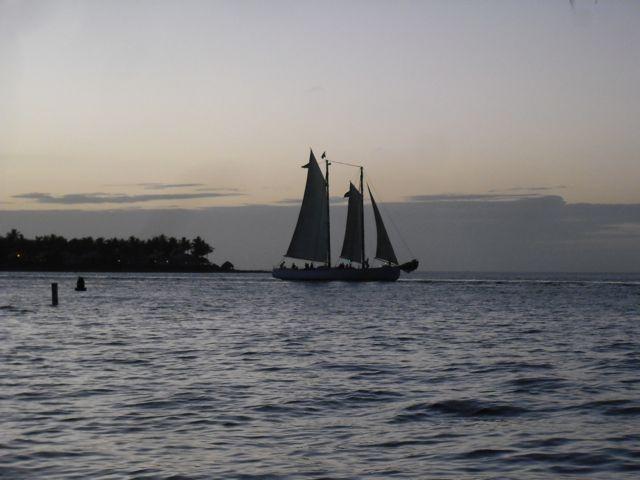 https://i0.wp.com/fatgayvegan.com/wp-content/uploads/2012/01/boat.jpg?fit=640%2C480&ssl=1