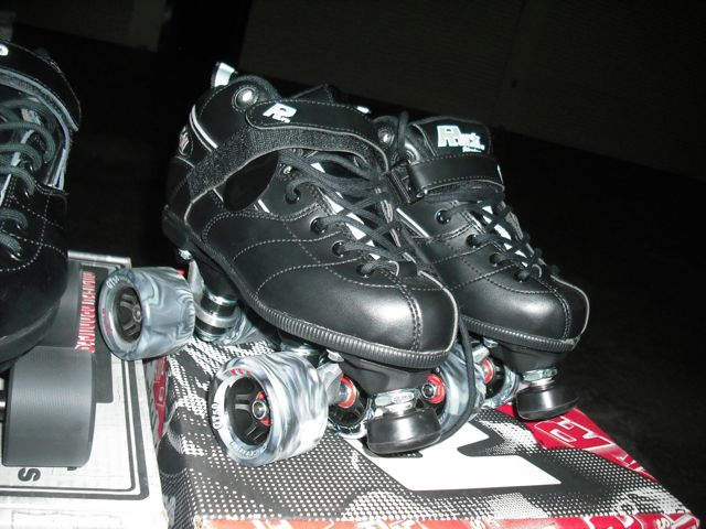 https://i0.wp.com/fatgayvegan.com/wp-content/uploads/2012/03/skates.jpg?fit=640%2C480