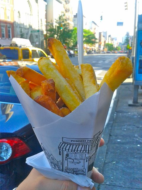 https://i0.wp.com/fatgayvegan.com/wp-content/uploads/2013/05/pomme-frites.jpg?fit=480%2C640&ssl=1