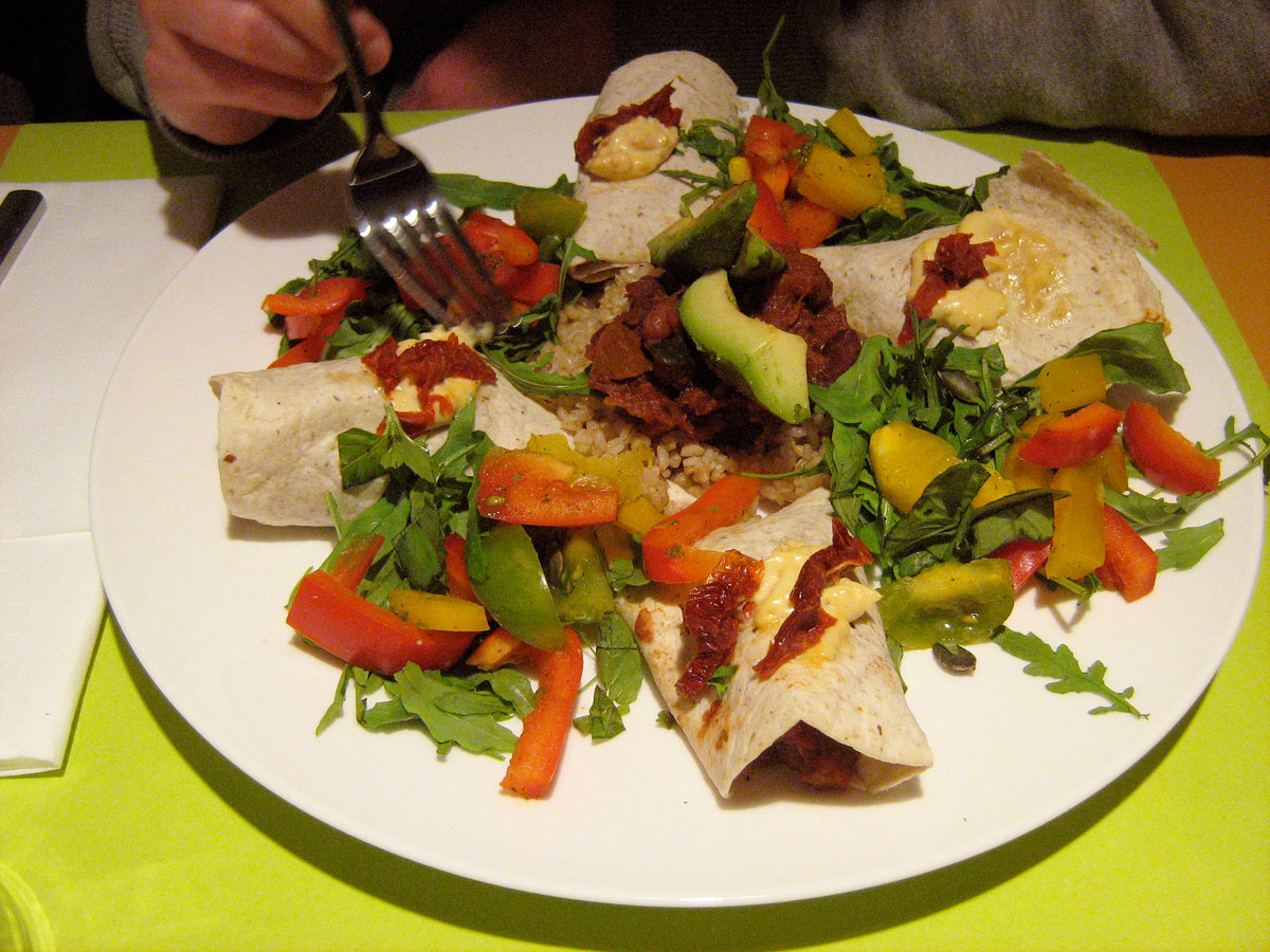 https://i0.wp.com/fatgayvegan.com/wp-content/uploads/2013/06/tortilla.jpg?fit=1200%2C900