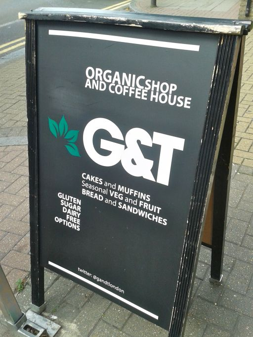 Organic shop & coffee house