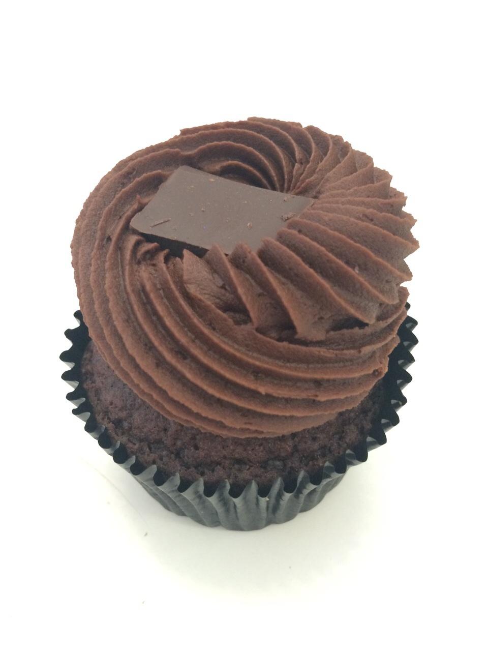 https://i0.wp.com/fatgayvegan.com/wp-content/uploads/2015/04/Chocolate-Exposion.jpg?fit=960%2C1280&ssl=1
