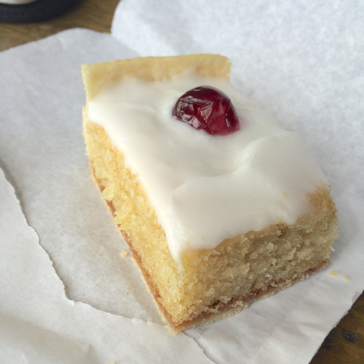 https://i0.wp.com/fatgayvegan.com/wp-content/uploads/2015/08/Vegan-Bakewell-Tart.jpg?fit=1280%2C1280
