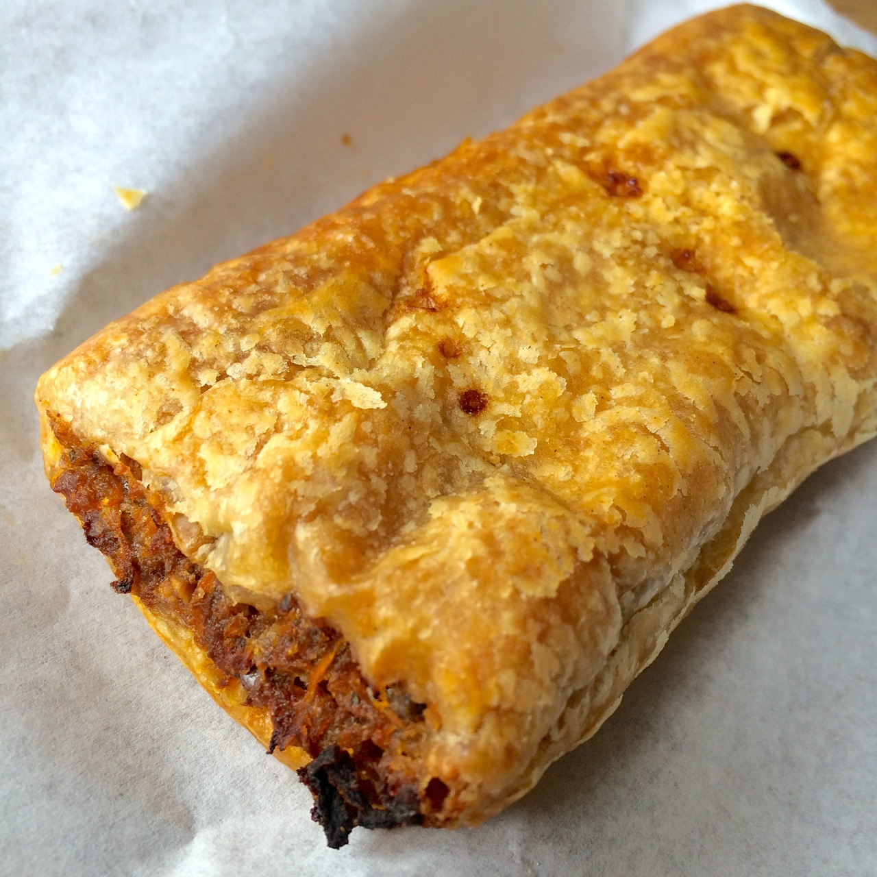 https://i0.wp.com/fatgayvegan.com/wp-content/uploads/2015/08/Vegan-sausage-roll.jpg?fit=1280%2C1280
