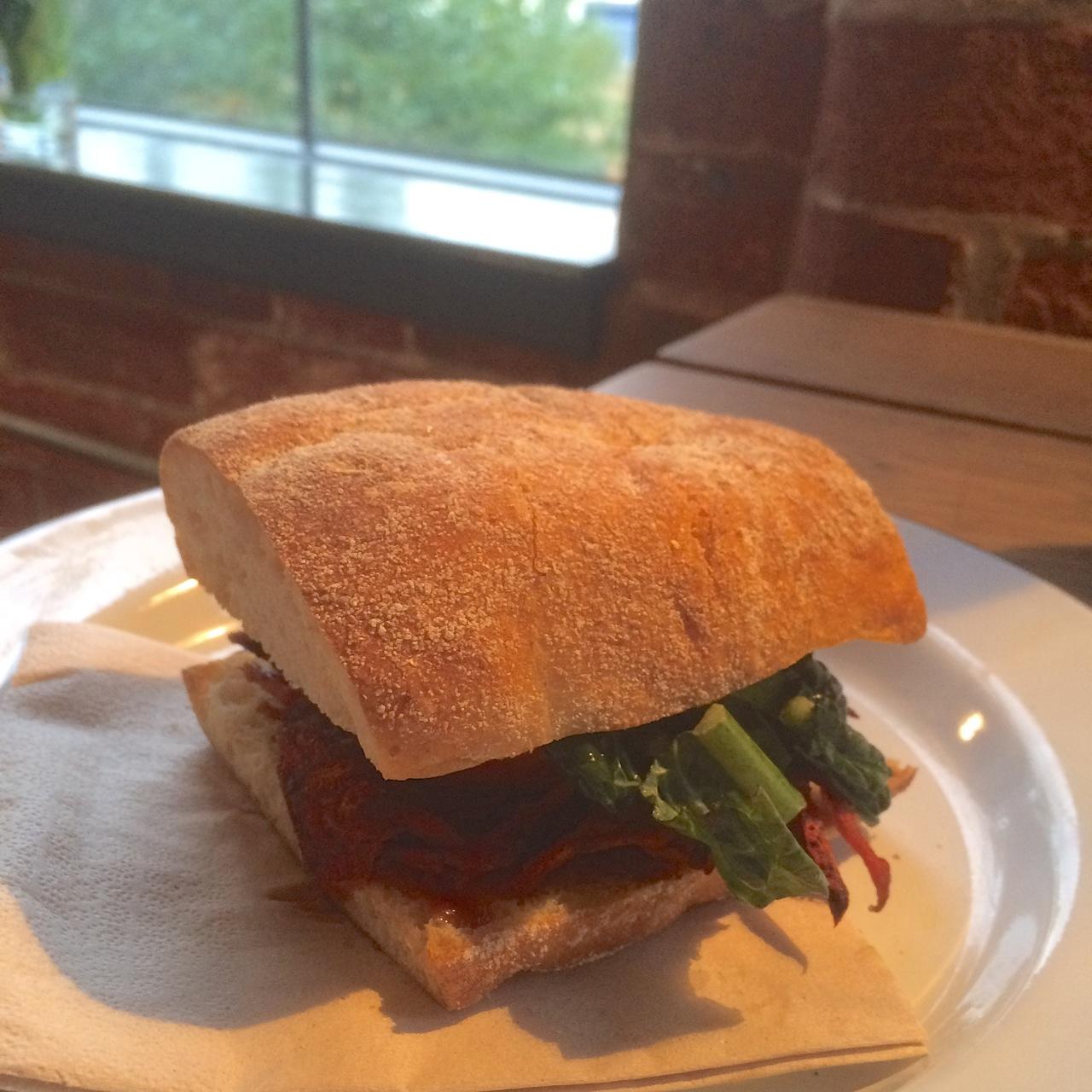 https://i0.wp.com/fatgayvegan.com/wp-content/uploads/2015/11/Sandwich-vegan.jpg?fit=1280%2C1280