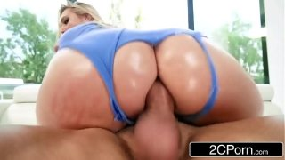 A PAWG Ready For Action – AJ Applegate