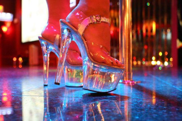 stripper-strip-club