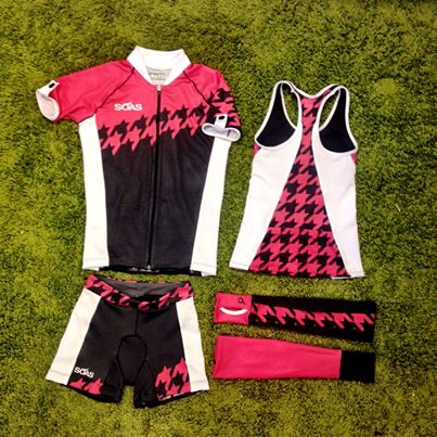 Herringbone SOAS tri kit