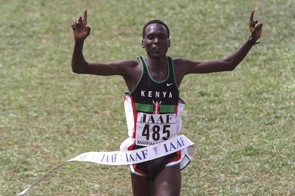 Paul Tergat winning the 1998 World Cross Country Championships