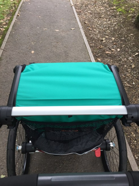 Strolling with the Thule Chariot Lite
