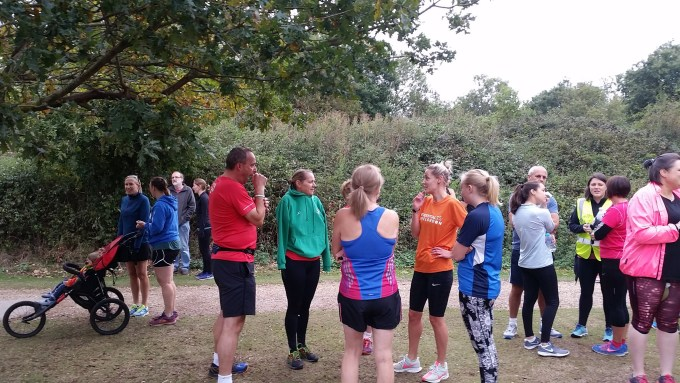 Tamsyn and Ellie chatting before the start of Dinton Pastures parkrun