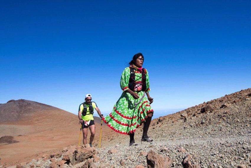Lorena Ramírez taking part in Cajamar Tenerife Bluetrail ultramarathon.