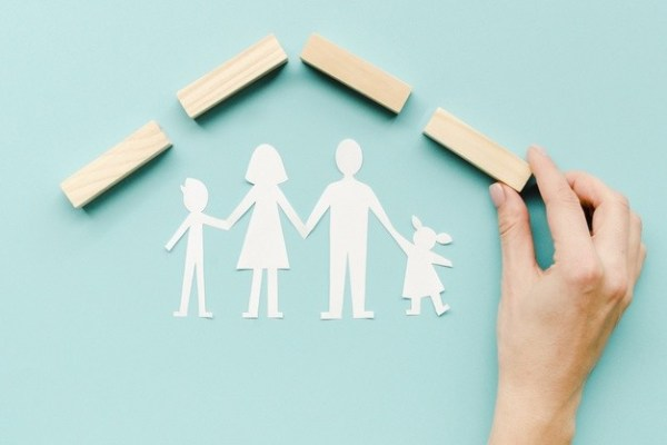 composition-family-concept-blue-background_23-21484857793982285341393777406.jpg