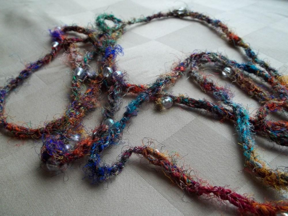 Sari Silk Beaded Necklace (2/3)