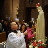 La statua della Madonna di Fatima a Venaria Reale (TO) , Araldi del Vangelo-011