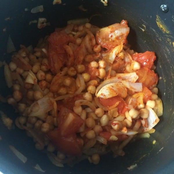 Easy Bhuna Chana Masala - Chickpea Curry