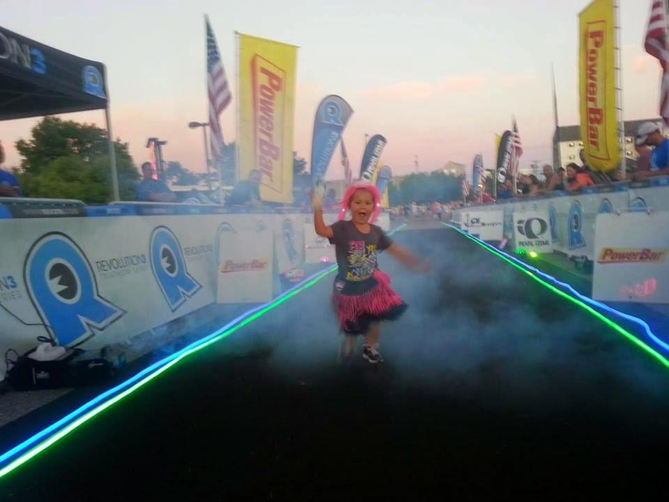 lola glow run