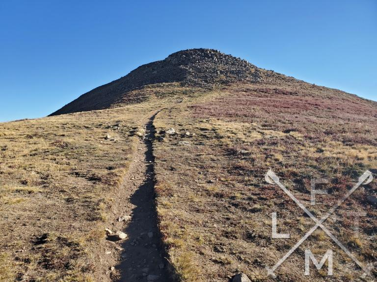 The trail heading towards Mt. Sniktau