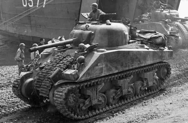 600px-M4A1_ShermanOriginal