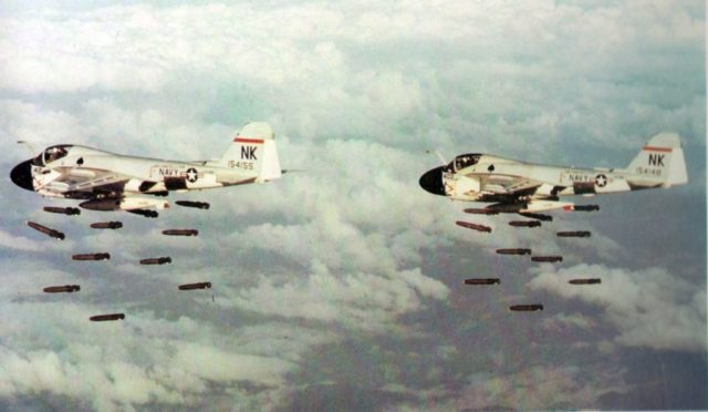 a-6as_va-196_dropping_mk_82_bombs_vietnam