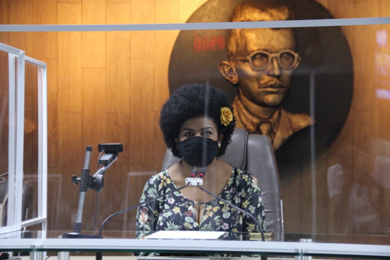 Resultado de imagem para CMCG vive momento histórico com primeira sessão presidida por uma mulher negra