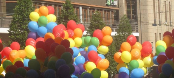 rainbowballons-1024x460