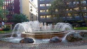 En av fontänerna på Brunkebergstorg