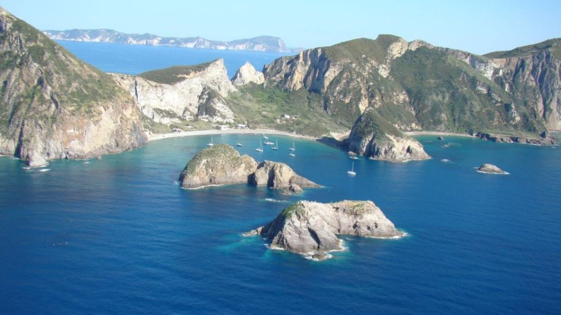 Isola di Palmarola, la perla luminosa dell'arcipelago Pontino