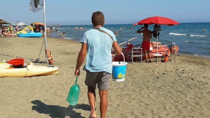 Cocco bello e la cantilena sulle spiagge di Latina