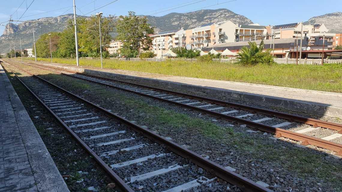 Terracina, ferrovia ripulita e locali in comodato d'uso