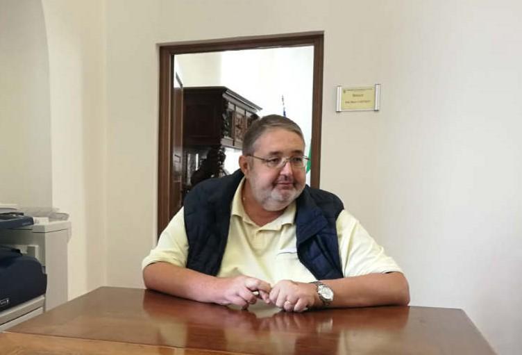 Cisterna, Carturan si dimette in consiglio comunale