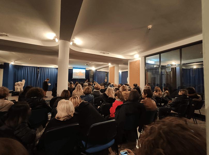 Cisterna città di donne forti, il convegno su povertà educative