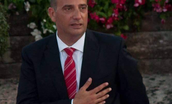 Minturno, il sindaco Stefanelli lascia il PD