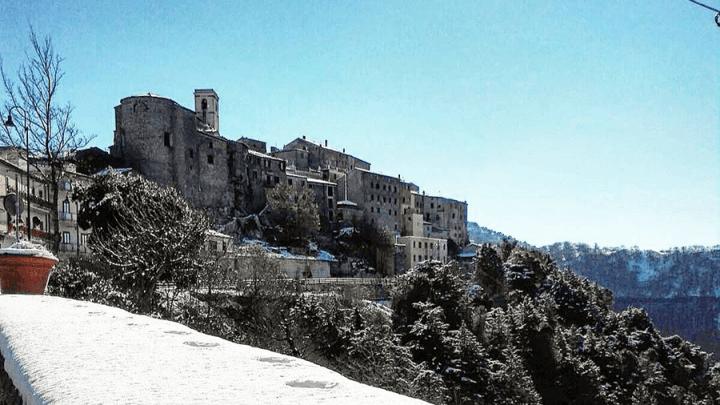 Racconti popolari, La Rocca è comme 'na reggina